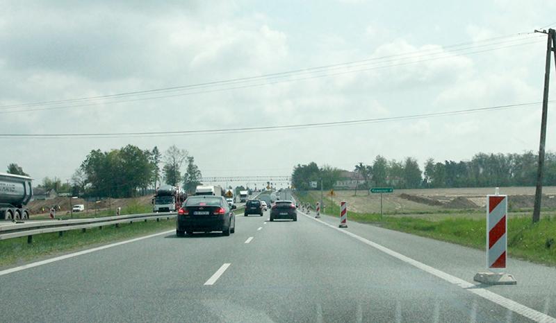 Do Warszawy nową drogą S7 pojedziemy później niż zakładano?