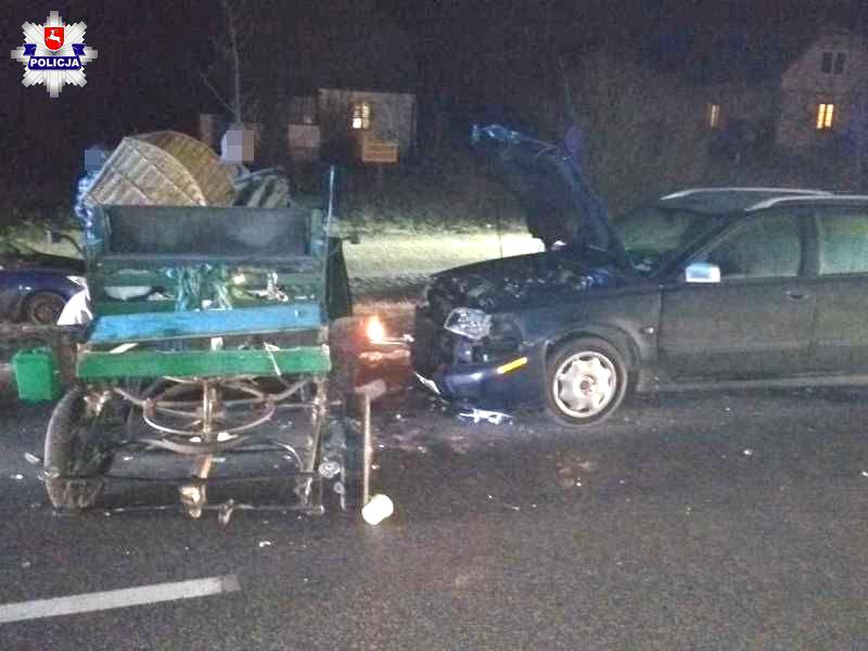 Volvo uderzyło w bryczkę