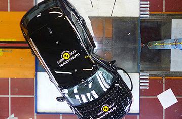 Testy zderzeniowe - Audi Q3